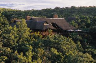 MAKWETI-SAFARI-LODGE-Main-Lodge-